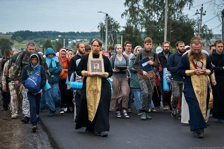 Первомайской демонстрации и шествия Бессмертного полка не будет, но крестный ход состоится
