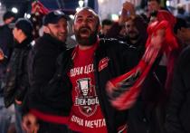 Омск стоит на ушах: как празднуют победу «Авангарда» в Кубке Гагарина
