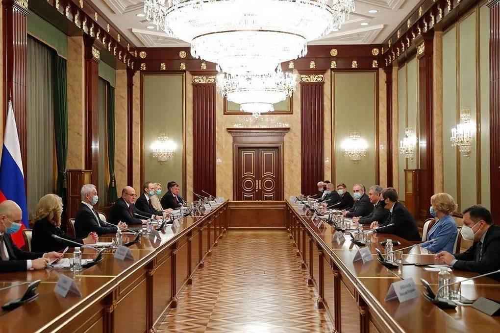 Обновление городского транспорта и комплексное развитие села – Правительство поддержало предложения «Единой России»