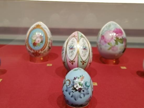 Зачем в старину на пасхальных яйцах делали отверстие