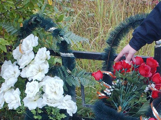 Рукотворные памятники жертвам ДТП, по мнению депутатов, отвлекают водителей