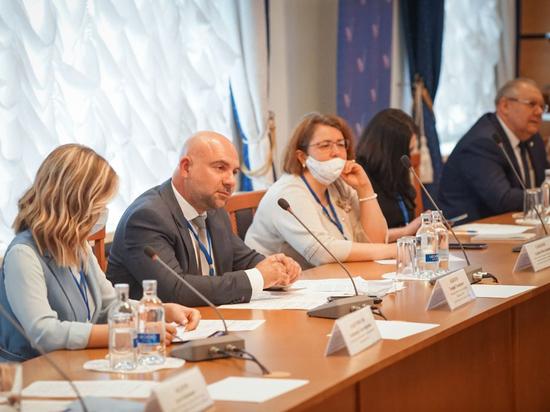 В Северо-Восточном административном округе Москвы 26 апреля 2021 года прошло заседание московского отделения ОНФ на тему «Будущее зеленых зон Москвы»