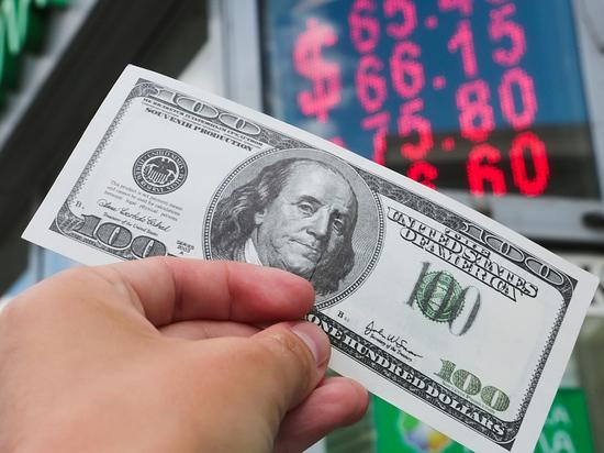 В последнее время рубль ведет себя как шелковый