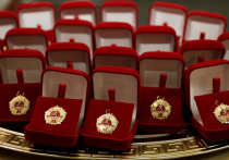 В Хабаровском крае выпускникам школ вручили золотые знаки ГТО