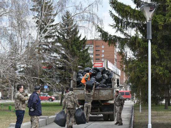Почти 50 тысяч жителей Барнаула вышли на общегородской субботник