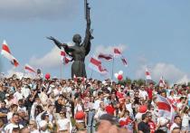 После того, как в России и Белоруссии были задержаны участники предполагаемого заговора по отстранению от власти Александра Лукашенко, эмигрантские центры белорусской оппозиции могут быть признаны международными террористическими организациями