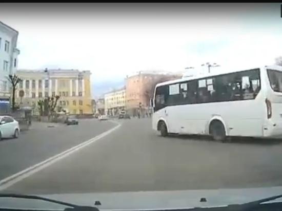 Полиция накажет водителей маршруток за «неадекватное» вождение в центре Рязани