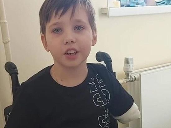 Мама мальчика, потерявшего руку и ноги в ДТП под Рязанью, рассказала о его мучениях