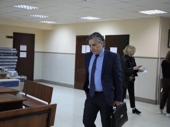 Бывшего адвоката актера вызвали в суд по делу о лжесвидетельстве