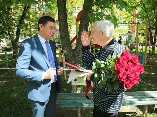 Автору книги «Наш маленький Париж» Виктору Лихоносову исполнилось 85 лет