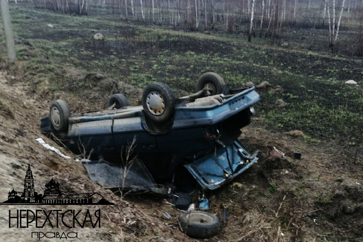 Костромские ДТП: возле Нерехты уснувший за рулем водитель опрокинулся в кювет