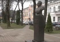 В Смоленске озеленят сквер имени Клименко