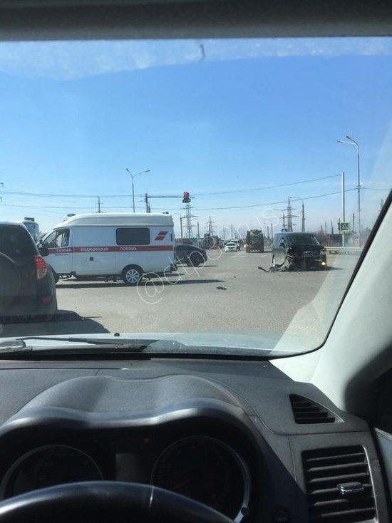 В Хомутово в ДТП попала машина скорой
