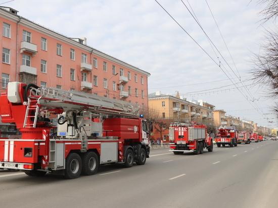 По Рязани проехала колонна пожарной техники