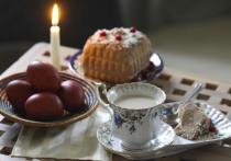 Освящение пасхальной снеди – важнейший ритуал, который отличает настоящий кулич от просто вкусного кекса, а крашеные яйца от тех, что подают на обед с майонезом