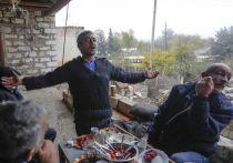 Легко ли жить в стране, окруженной противниками? Речь об Армении, которая за тридцать лет своего современного независимого существования, спокойные и сытые годы может по пальцам пересчитать