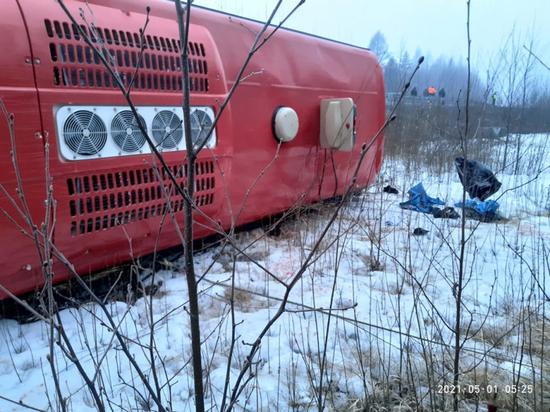 Опубликованы кадры аварии с пассажирским автобусом