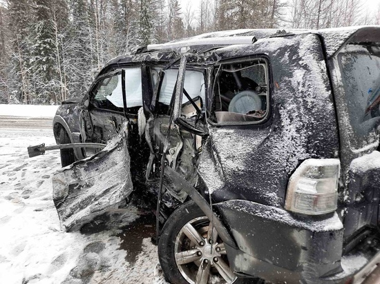 Водитель попал в больницу после жесткого ДТП в Ноябрьске