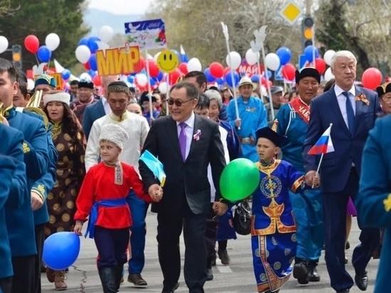 Шолбан Кара-оол поздравил жителей Тувы с праздником Весны и Труда