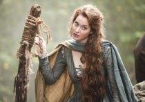 Актриса из сериала «Игра престолов» Эсме Бьянко обвинила певца Мэрилина Мэнсона в том, что он гонялся за ней с топором и бил  электрическим током