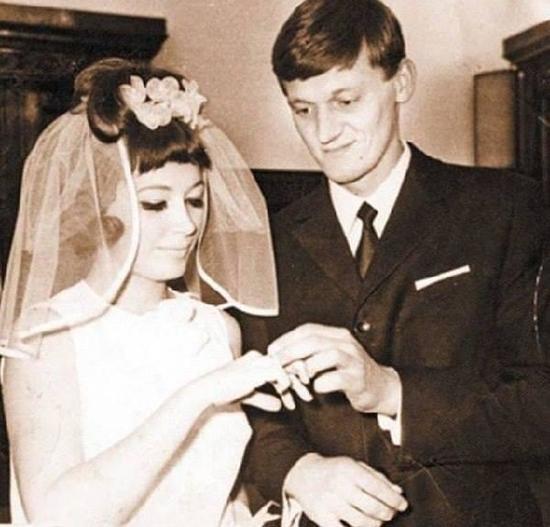Умерший от последствий коронавируса продюсер Плоткин дважды выдавал Пугачеву замуж