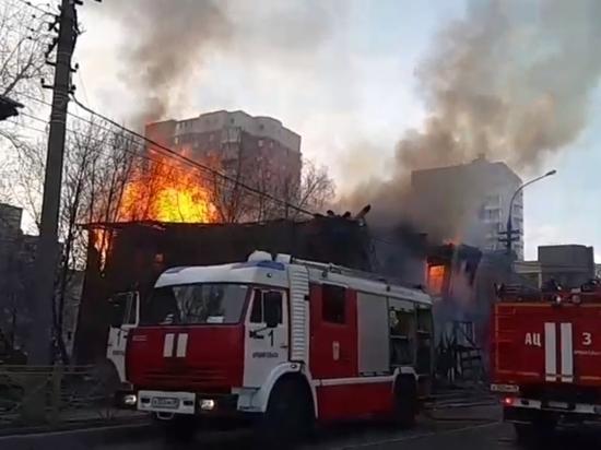 В Архангельске в очередной раз сгорел памятник деревянной архитектуры
