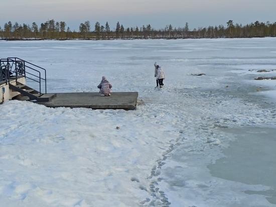 Гуляющих по хрупкому льду детей заметили в Муравленко