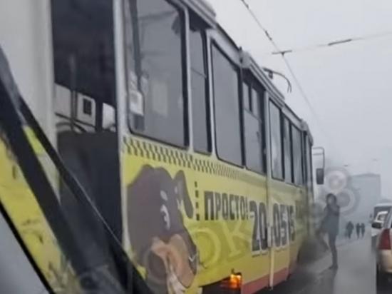 Трамвай горел на Глазковском мосту в Иркутске