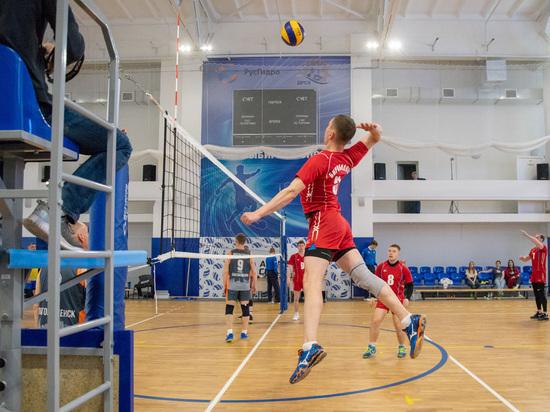 Восемь мужских волейбольных команд боролись за кубок «Амурстроя» в Благовещенске