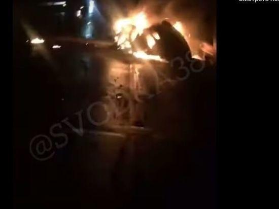 Nissan Qashqai загорелся под Иркутском после столкновения с большегрузом