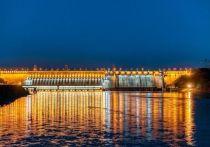 На Красноярской ГЭС компании En+ Group на время майских праздников включили подсветку
