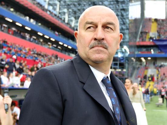 В прямом эфире МК главный тренер России по футболу ответит на все ваши вопросы