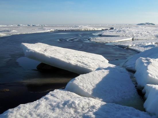 В Красноярском крае из-за ледохода временно закрыли переправы