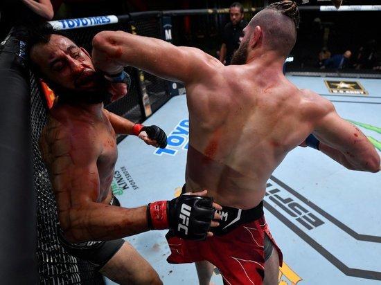В главном бою Прохазка прошелся катком по Рейесу. Теперь его ждет чемпионский бой в UFC