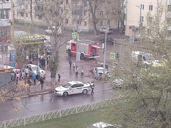 В Рязани в Горроще автомобиль выехал на тротуар и врезался в столб