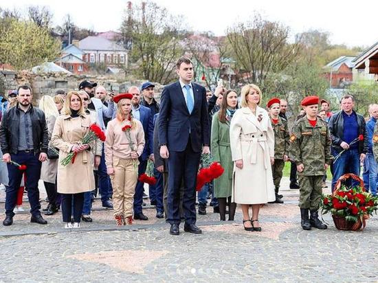 Глава Серпухова и спортсмены почтили память павших героев