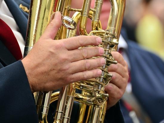 Духовой оркестр выступит на площади Ленина 3 мая в Чите