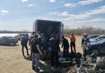 Жители Омска убрали тонну мусора у берега затона «Лампа»