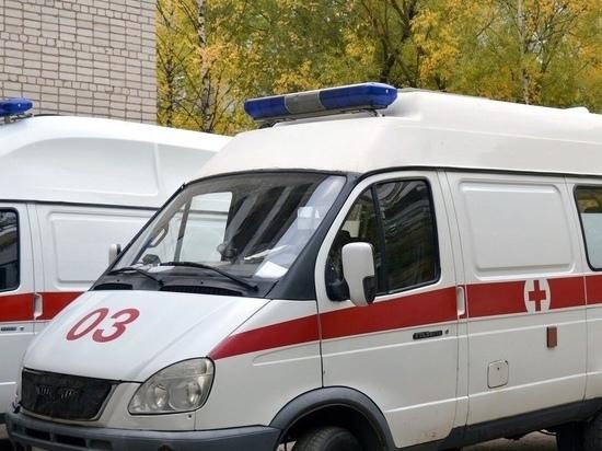 На улице Новосёлов в Рязани 84-летняя женщина упала с балкона 2 этажа