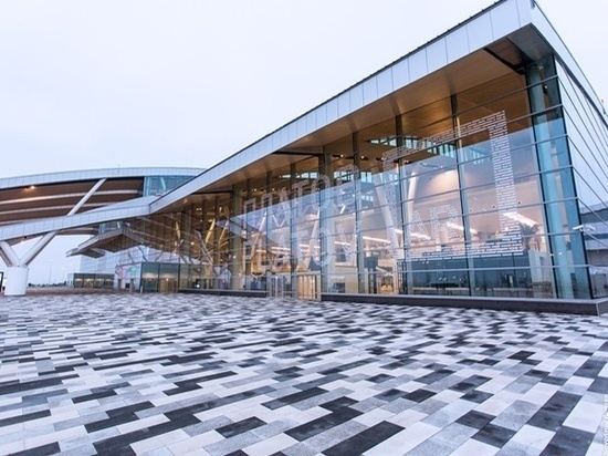В ростовском аэропорту Платов задержали мужчину за курение на борту
