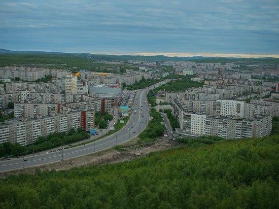 Квартиру в Мурманске тушили 14 человек