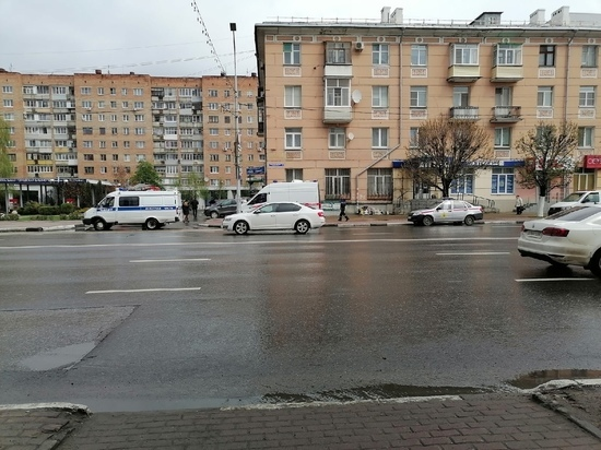 Из-за бесхозного пакета в центре Рязани вызывали экстренные службы