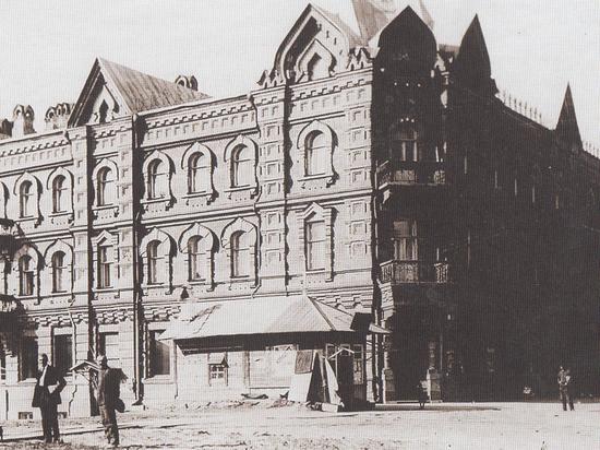 Здание Дальневосточной научной библиотеки некогда было самым крупным на Дальнем Востоке универсальным магазином