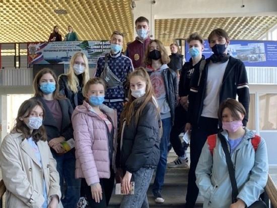 Школьники Магадана поехали в Волгоград: учитель просил об этом Путина