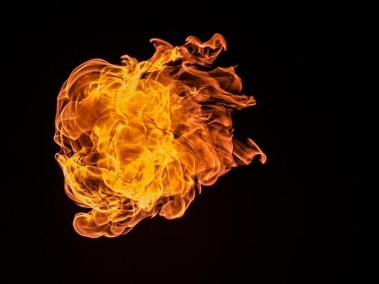 Магазин разливных напитков сгорел в Томске минувшей ночью