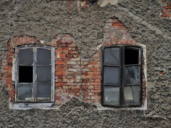 В Барнауле ввели режим повышенной готовности из-за риска обрушения аварийных домов