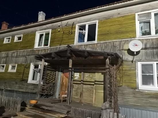 В Приморском районе пожарный вывел человека из горящей квартиры, находясь на выходном