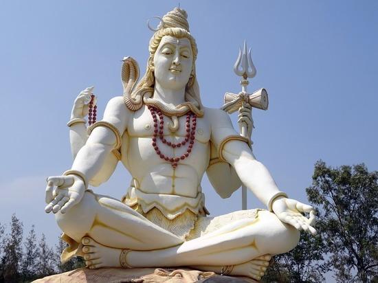 В Ижевске астролога обвинили в незаконной миссионерской деятельности за организацию праздника в честь Шивы
