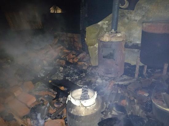 Две бани почти одновременно сгорели в Смоленской области