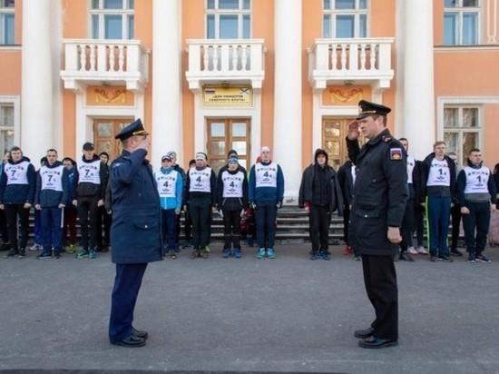 Легкоатлетическая эстафета «Ваза весны» прошла на главной площади в Североморске